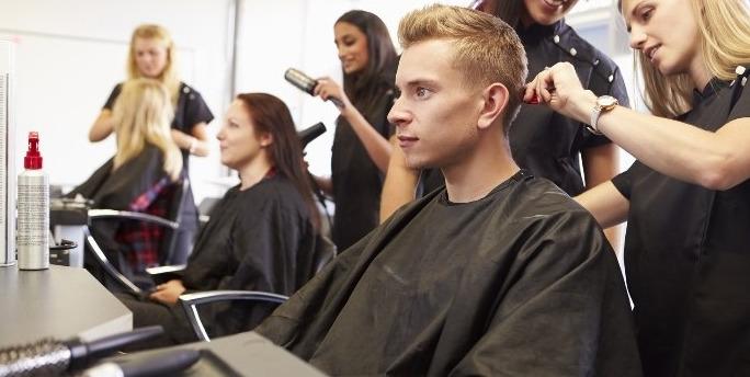 Étudiant(es) coiffure : le matériel indispensable pour la rentrée 2018