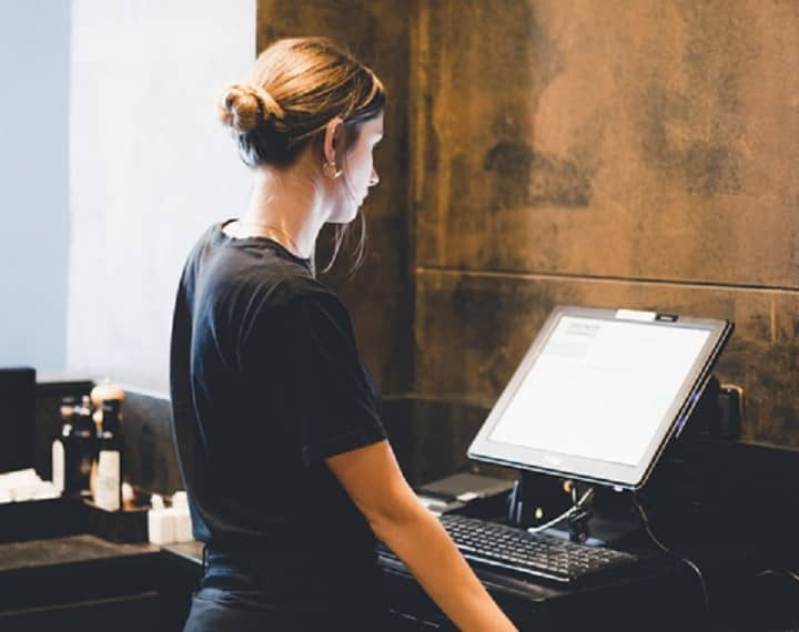logiciel-de-caisse-femme-coiffure