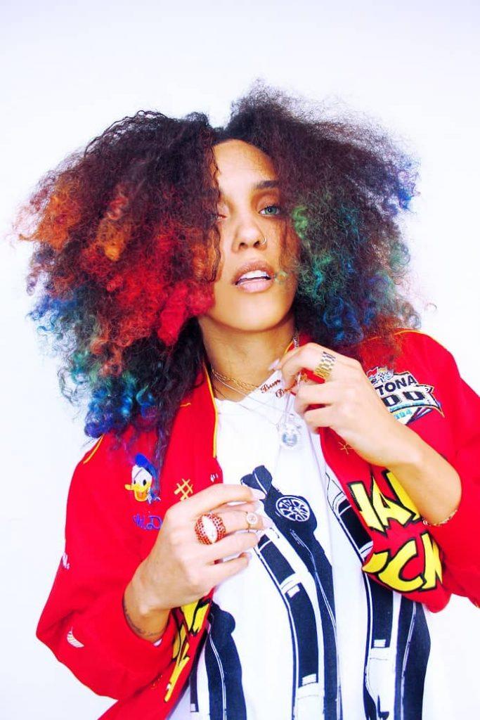 Manic-panic-cheveux-bouclés-couleurs