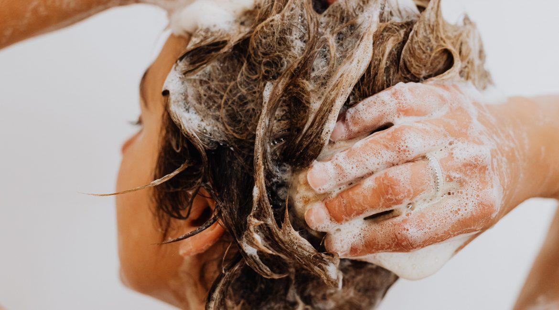 shampoing sous la douche